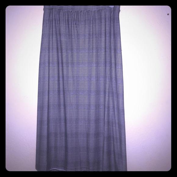 Dresses & Skirts - 3x  24/26 pocketed skirt